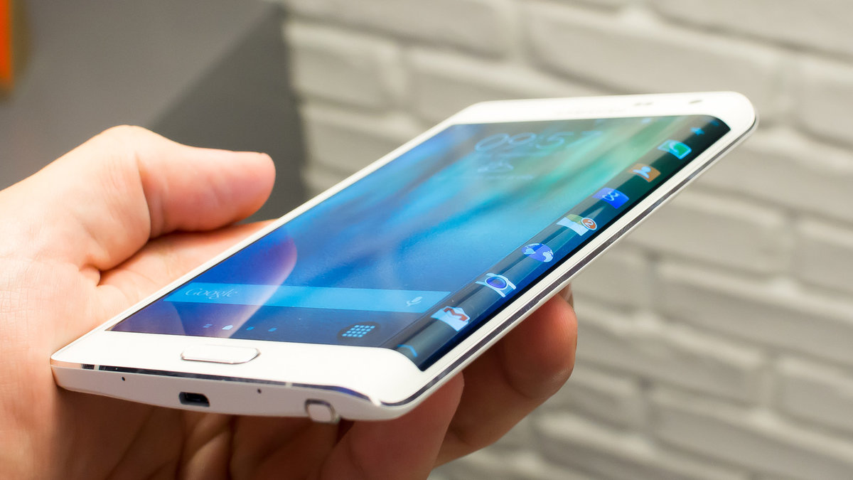 Rumors on the Samsung Galaxy S6 Edge Concept