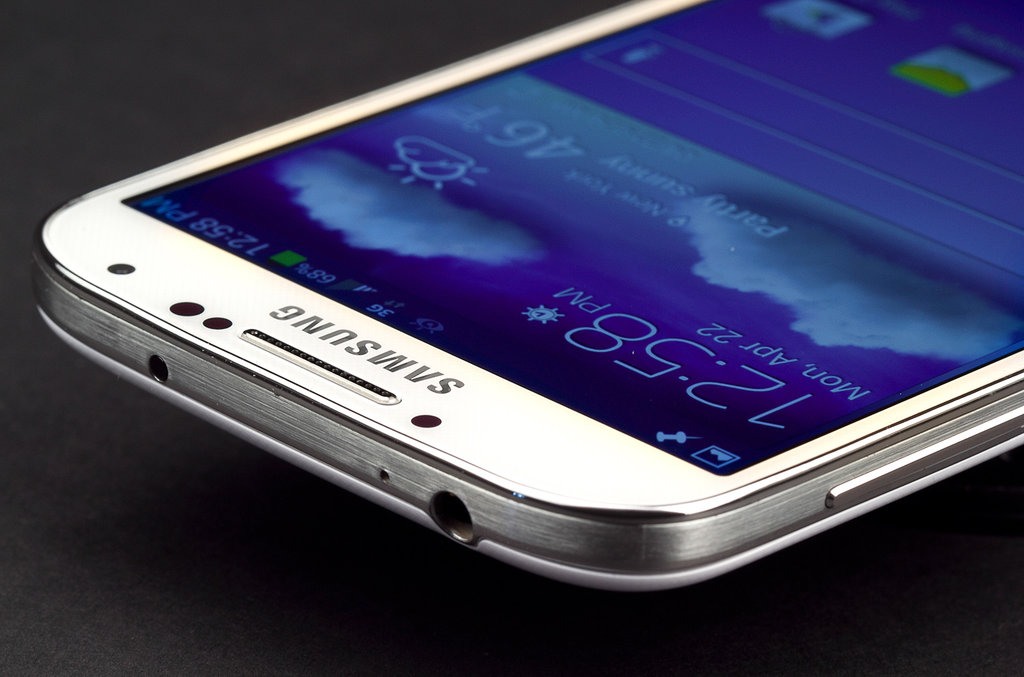 Samsung Galaxy S6 Rumors on a Full Metal Design and Edge Concept