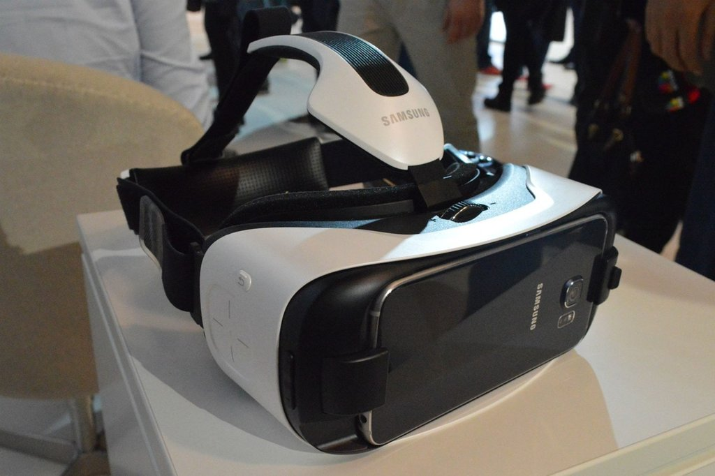 Galaxy S6 and S6 Edge Gear VR Innovator Preorders Start April 23rd