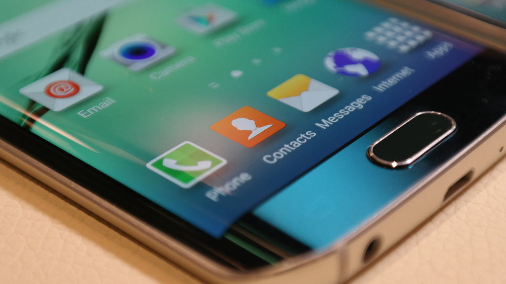 First Sighting of the Samsung Galaxy S6 Duos Debuts in Nigeria, Along with the S6 Edge