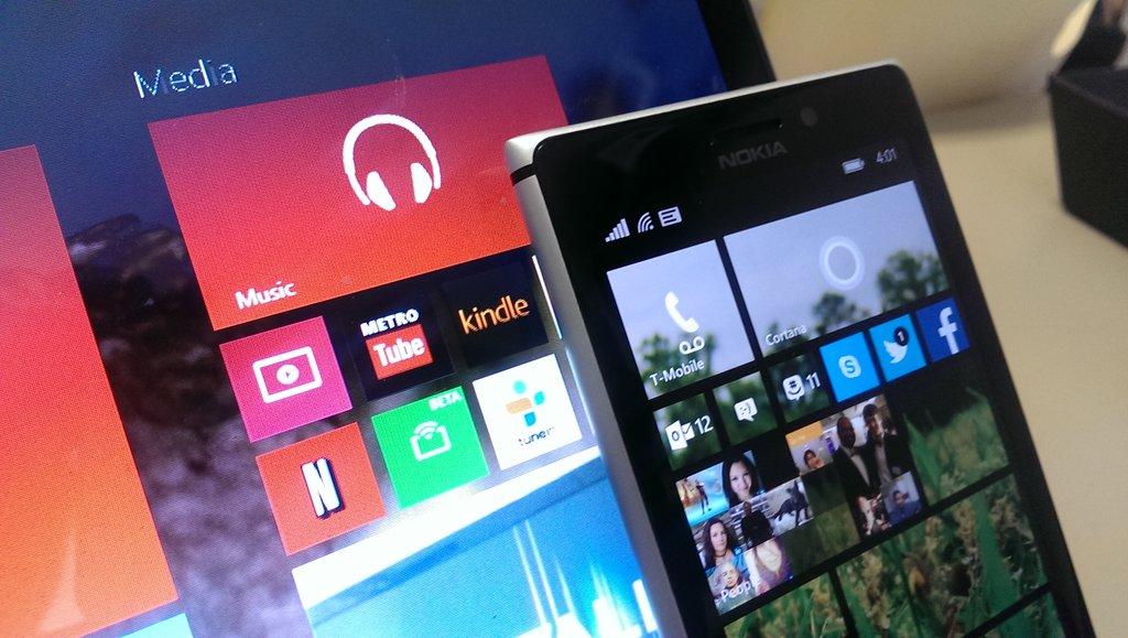 2 New Microsoft Windows 10 Smartphones Codenamed Cityman and Talkman