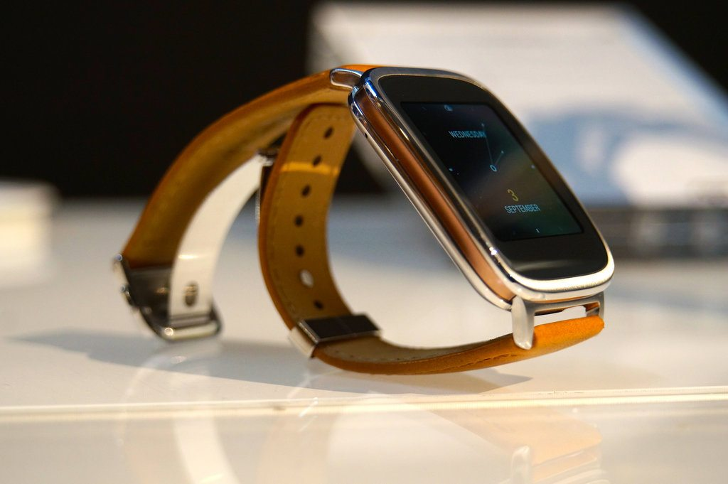 Asus ZenWatch Gets Android Wear 5.1.1 Update, but No Wi-Fi Support