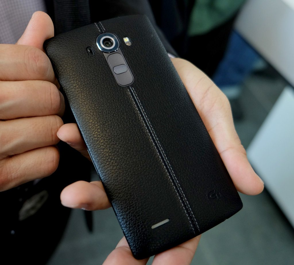 LG G4 through Carphone Warehouse Now Available in Black and Brown Leather and Grey Plastic