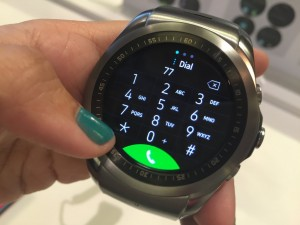 New LG Call App Adds Calling Features to Watch Urbane