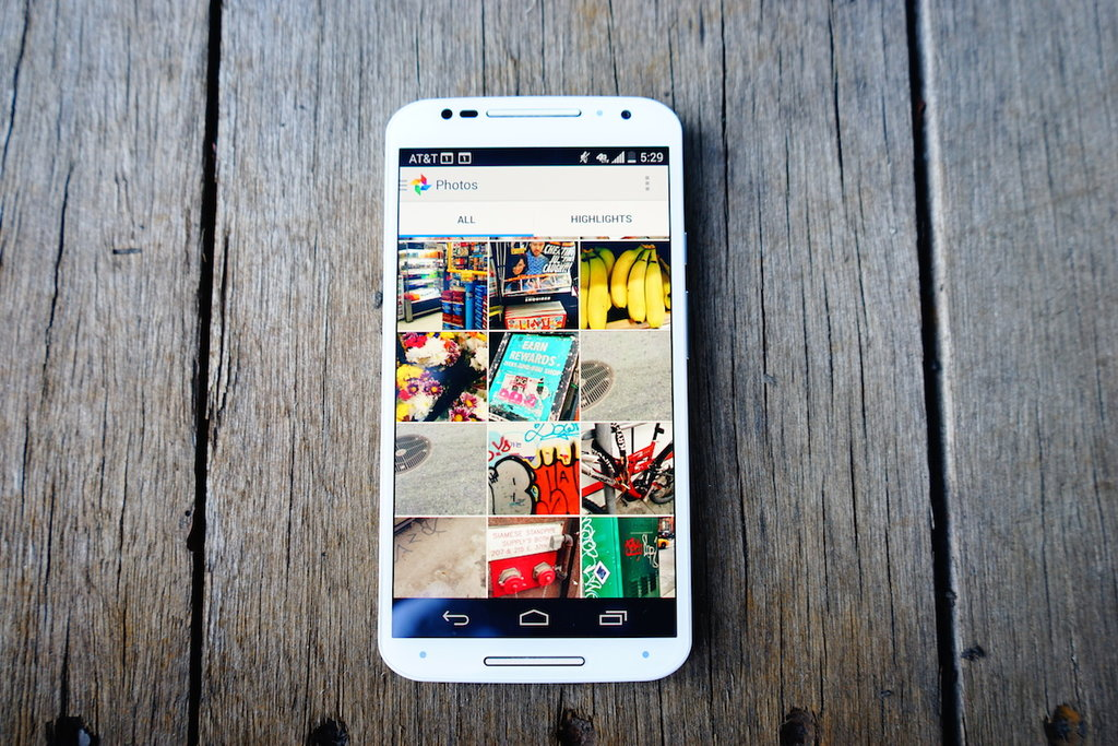 1st Gen Motorola Moto X Gets Android 5.1 in the US, Canada, and Brazil