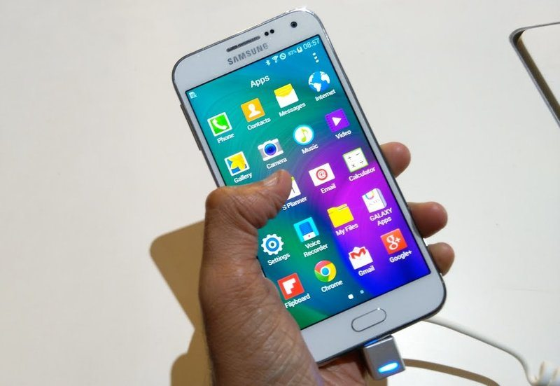 Samsung Galaxy E5 and E7 Android 5.0 Release Update