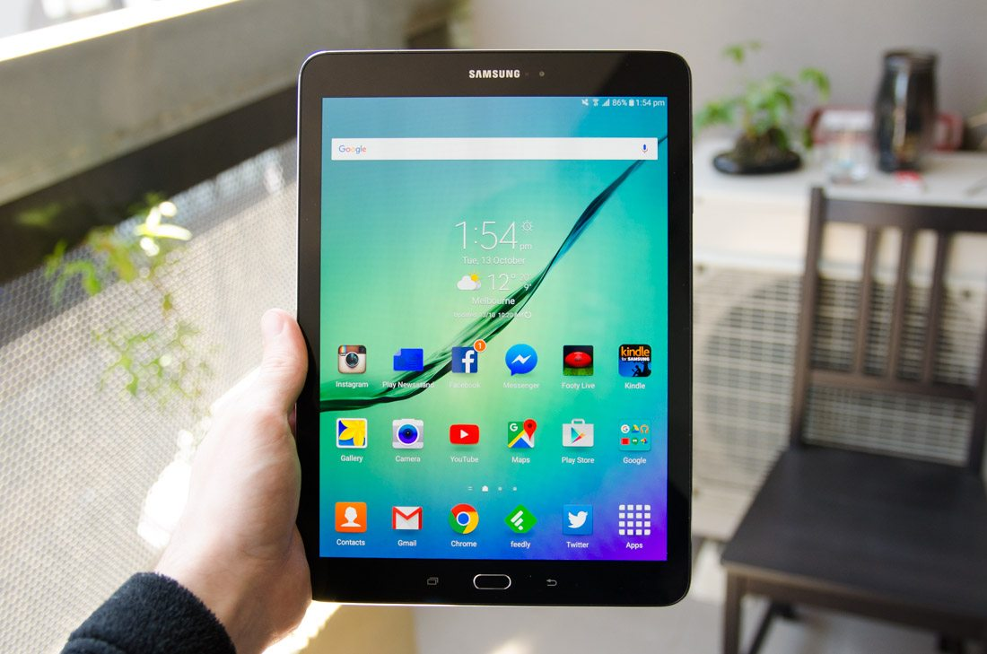 samsung galaxy tablet review galaxy tab s2 8 excelling in all areas. Black Bedroom Furniture Sets. Home Design Ideas