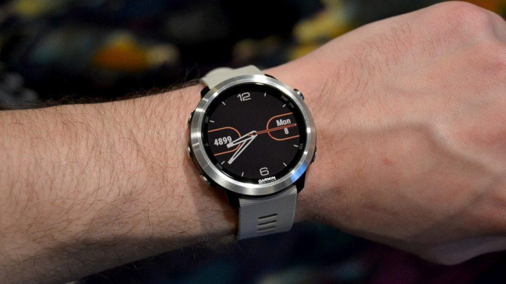 #9 in Our Best Smartwatch 2018 - Garmin Forerunner 645 Music