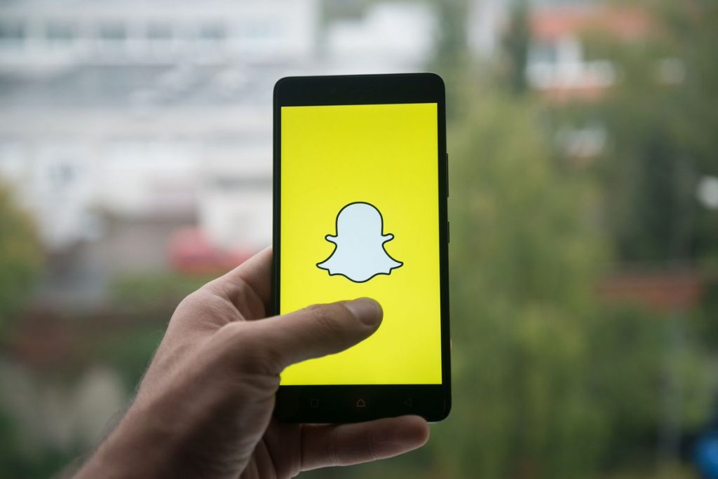 4. SnapChat - Popular Messaging Apps